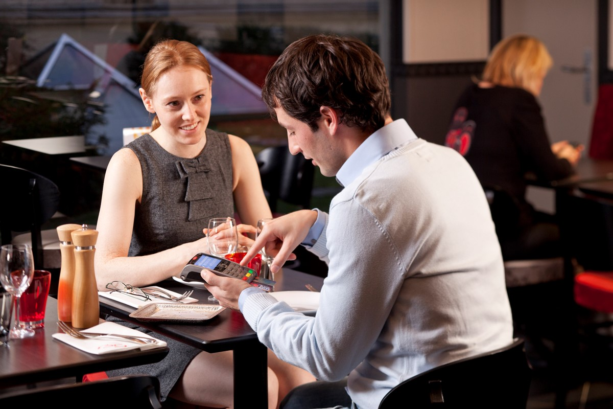 Mobiele betaalterminal in restaurant | SEPAY